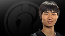 Zhou out of Invictus Gaming