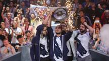 KuroKy lifts the Aegis! Team Liquid are the TI7 Champions!!!