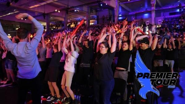 Premier Tour in Hamburg: Ein Fest für die deutsche Szene