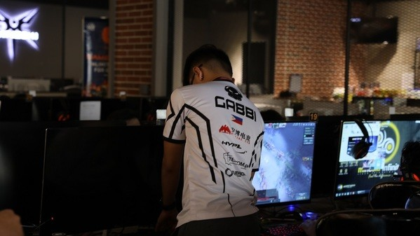 Can Clutch Gamers make it into the playoffs?