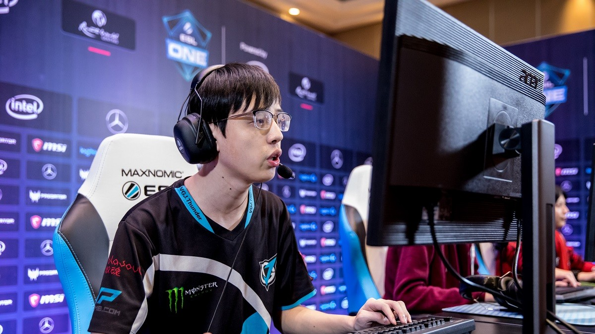 7 facts about... VGJ.T