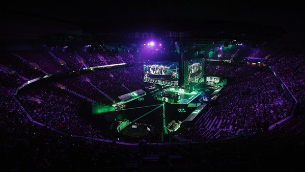 Which tournaments and regions should be granted Major status?