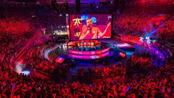 Fnatic, G2, S04, Misfits & Vitality wohl 2019 in der EU LCS dabei