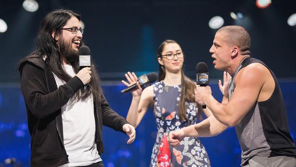 Tyler1 und Imaqtpie bei WWE-Crossover-Event