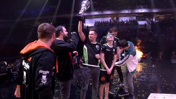 Major: Virtus.pro beats Team Secret in a phenomenal Grand Final