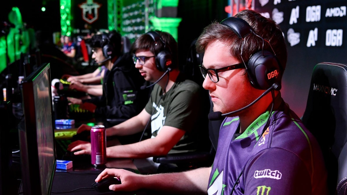 Alliance's backdoor throne rush clinches 67-minute game