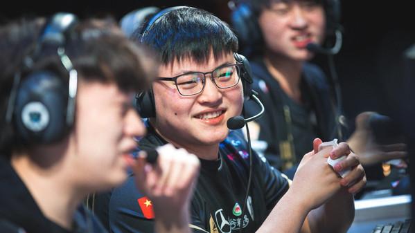 Uzi in Top-Form: ADC-Star führt RNG ins Finale und auf die Worlds