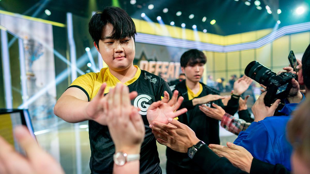 Ohne Probleme: Huni und Co. eliminieren den TCL-Champion