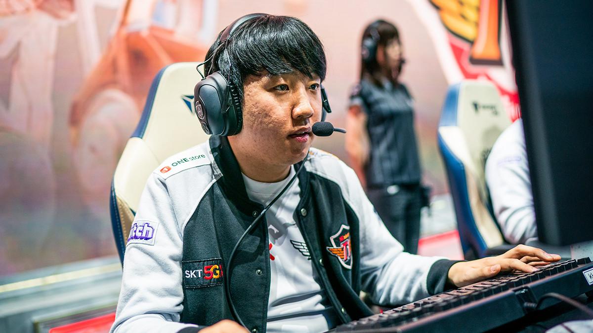 World Champion FunPlus Phoenix verpflichtet Khan