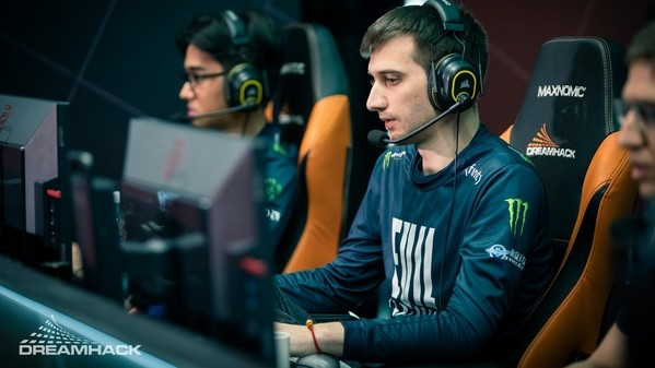 Arteezy's curse is broken: EG defeat Vici and advance to the Grand Finals