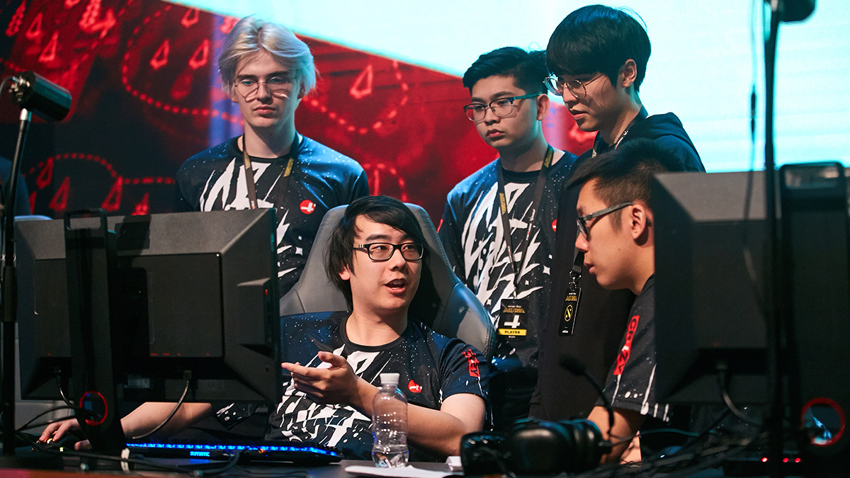 New roster of CR4ZY completed their first matches at StarLadder