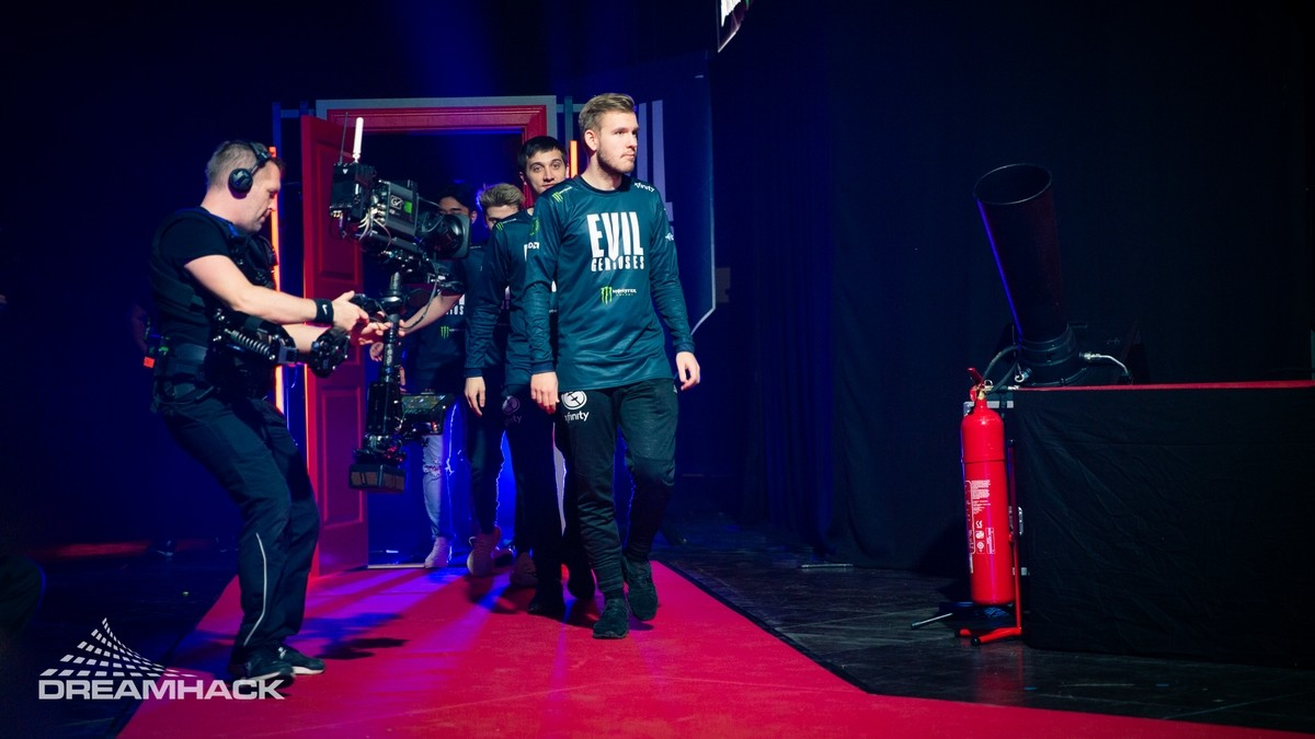 Evil Geniuses are the North American ESL One Online champions