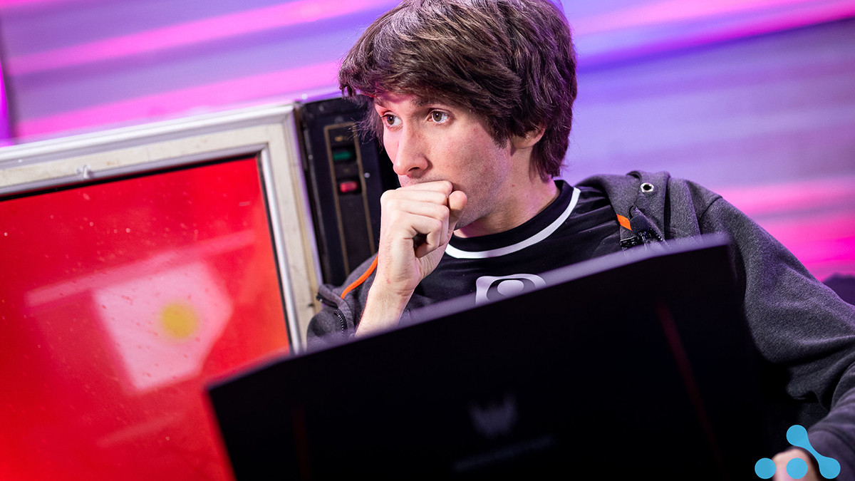 B8 kick two players – who could join Dendi?