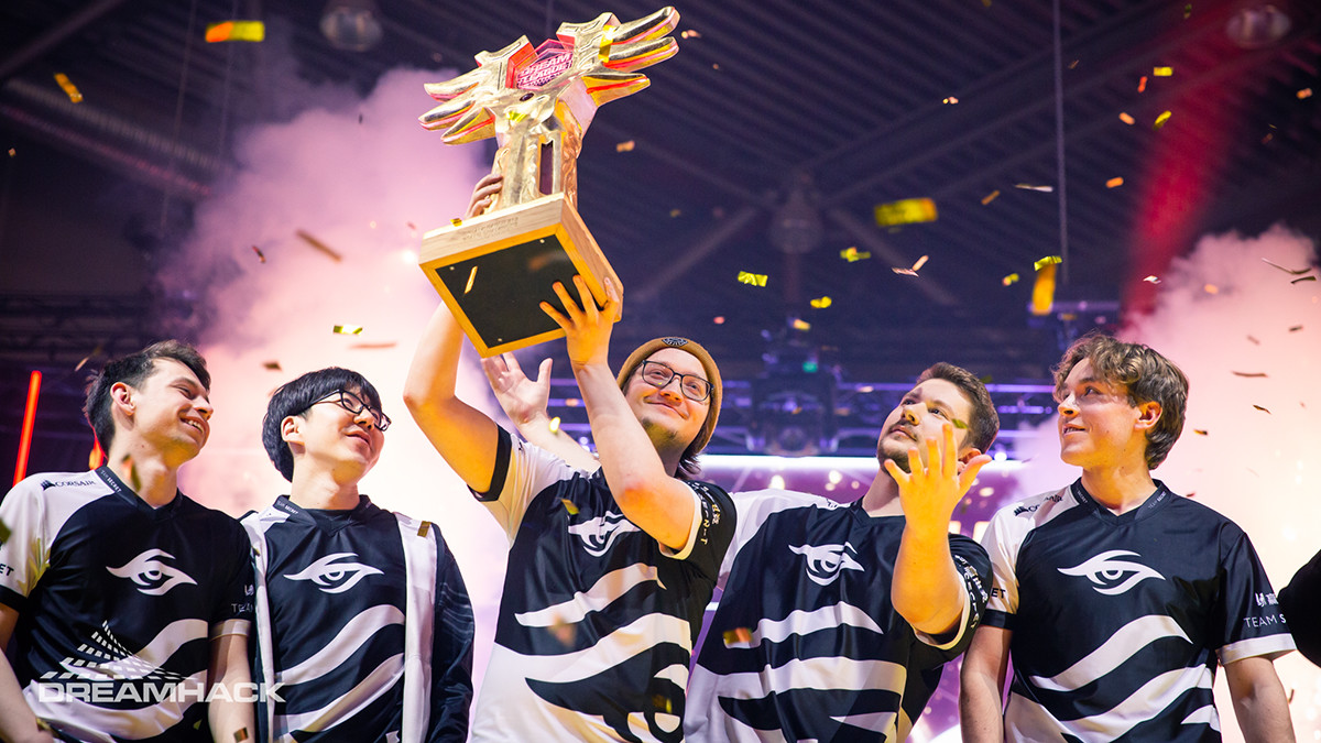 Secret take their sixth title in a row