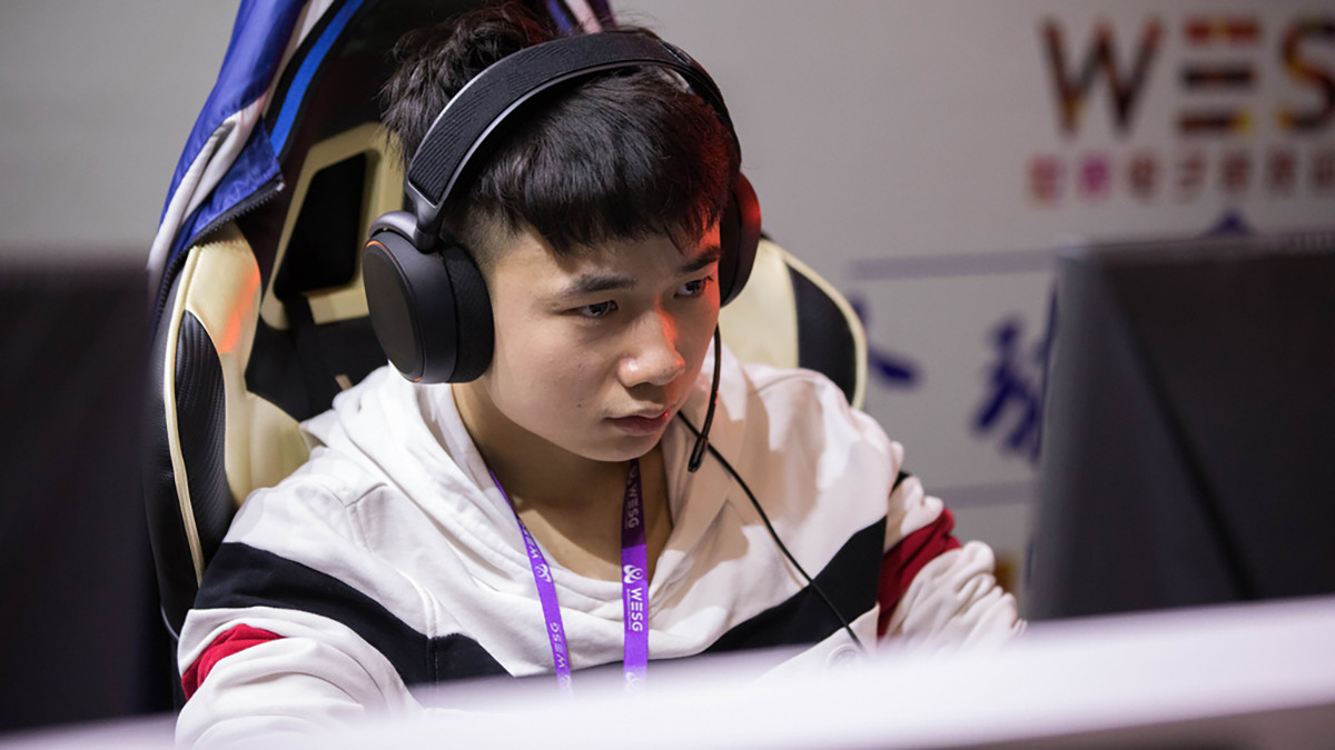 Newbee players return for Perfect World League