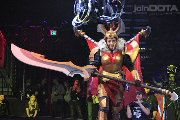 Find out who was crowned the winner of the TI6 cosplay ...
